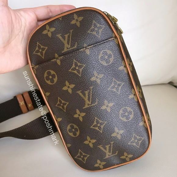 9deb1501e06d Louis Vuitton Handbags - Louis Vuitton Monogram bumbag fanny pack waist bag